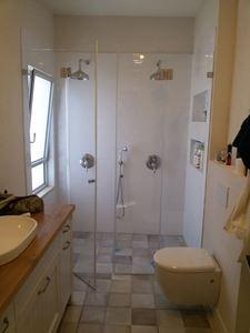 "Picture of התקנת מקלחון זכוכית 8 מ""מ כולל אחריות"